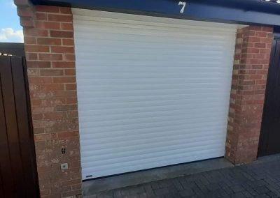 SWS LT roller, insulated garage door automated.